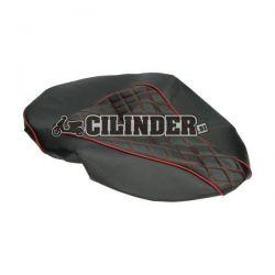 Prevleka za sedež - chesterfield črna z vzorcem (rdeči šivi)- Piaggio Zip 2006 4t 50cc
